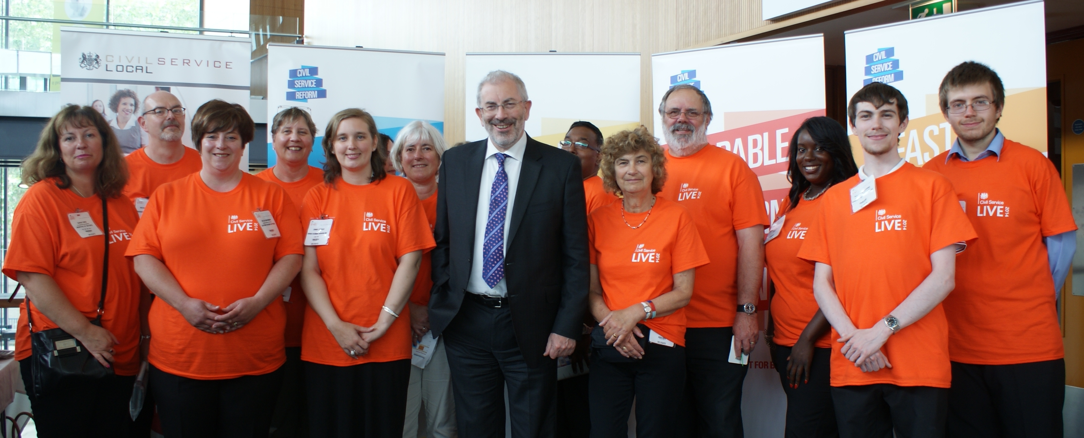 photo of Sir Bob with the Bristol volunteers