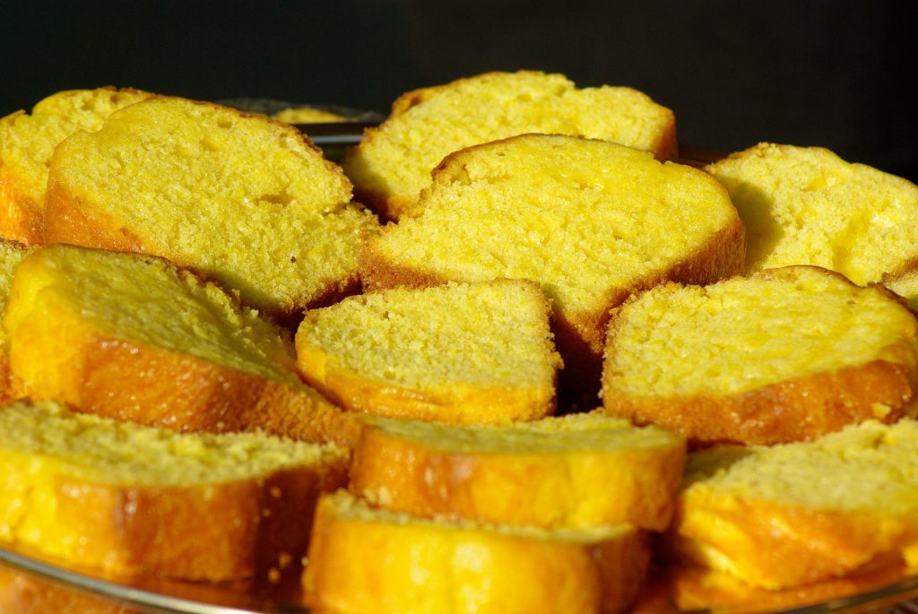 plate of sliced sponge cake