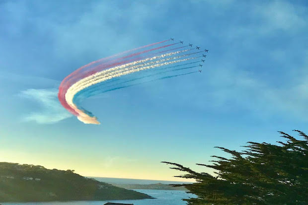 the red arrows over Carbis Bay
